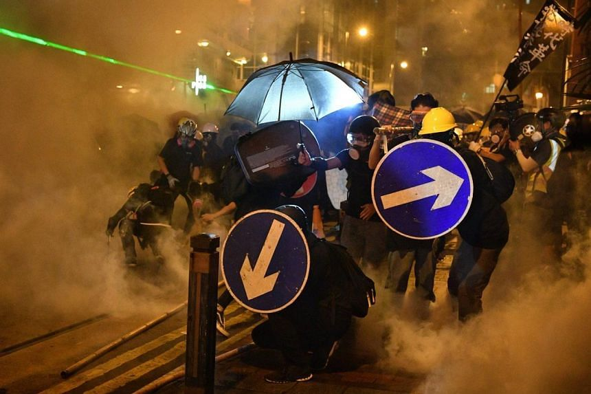 The briefing follows another weekend of clashes between protesters and police, who again fired rubber bullets and tear gas as the demonstrations grew increasingly violent.