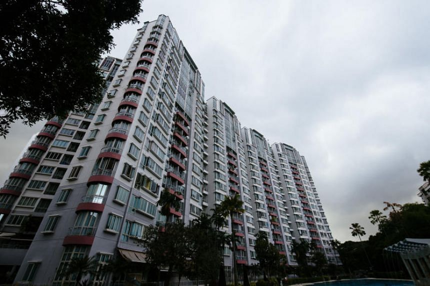 Falls were observed for both apartments in the central region and non-central regions, which exclude small units, with prices slipping 0.7 per cent and 0.6 per cent respectively.