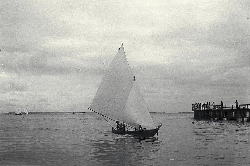 """A boat race that took place in the 1950s off Kampong Amber, a Malay village that used to exist between East Coast Road and Amber Road. Maps from 1822 and 1825 show that a large """"Bugis Town"""" occupied the entire eastern bay of Singapore town, before th"""