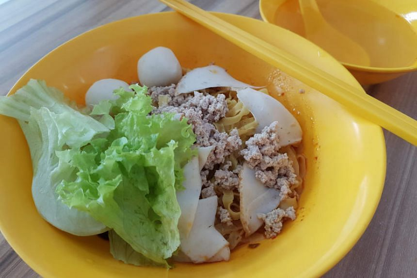 Dry fishball minced meat noodles ($2.50).