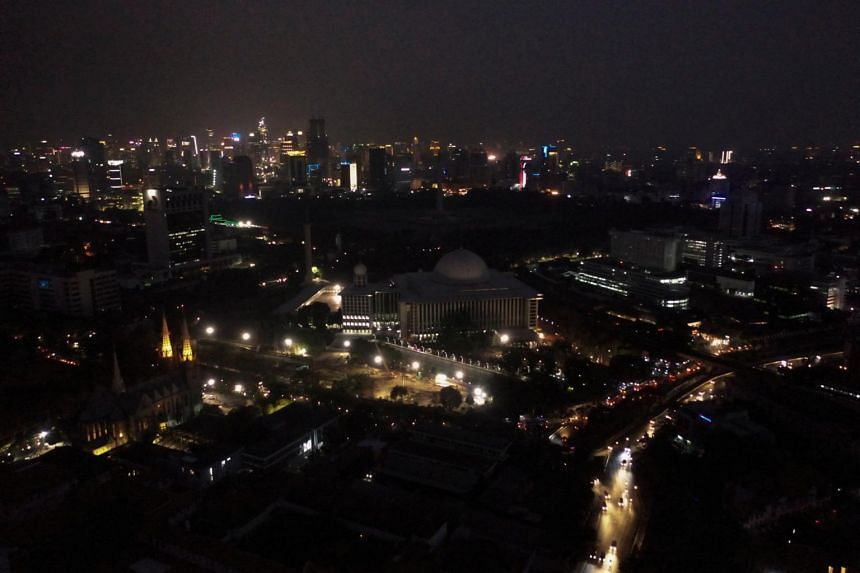 An aerial view of the great mosque of Istiqlal during a major power blackout in Jakarta on Aug 4, 2019.