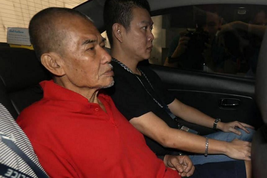 Toh Sia Guan (in red) appeared at the High Court on Aug 6. The fight on July 9, 2016 lasted two minutes, and Toh left the scene with his shirt stained with blood and with only one slipper, on his left foot.