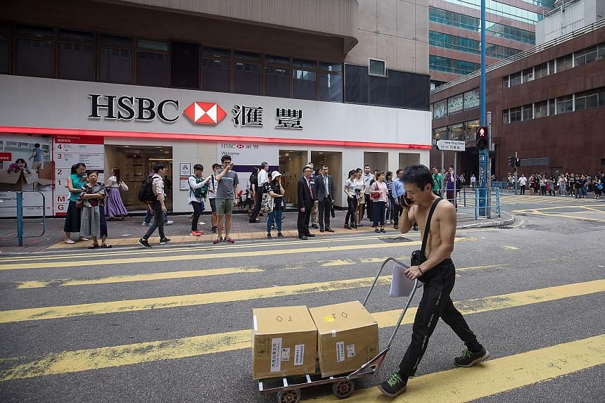 HSBC's next CEO could be first outsider to run bank, Banking News