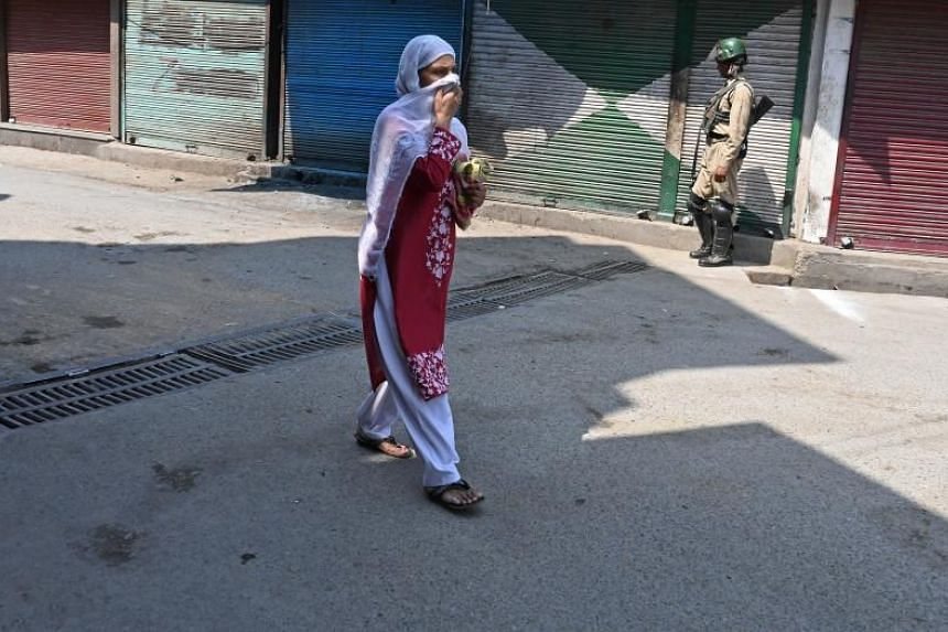 Many Internet articles extol Kashmiri women, and men, emphasising the fair colour of their skin.