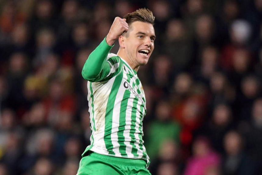 Argentine international midfielder Giovani Lo Celso is expected to complete a season-long loan deal that will contain an obligation on Tottenham's part to make the transfer permanent next summer.