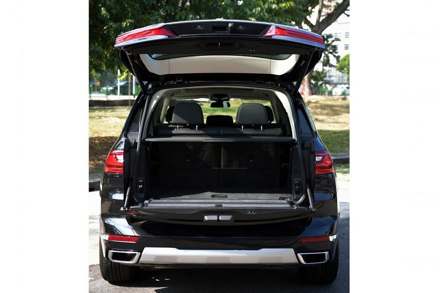 With a 3.1m wheelbase, the BMW X7 accommodates three rows of seats. Unlike most three-row cars, it has a decent amount of stowage even when all seats are in use.