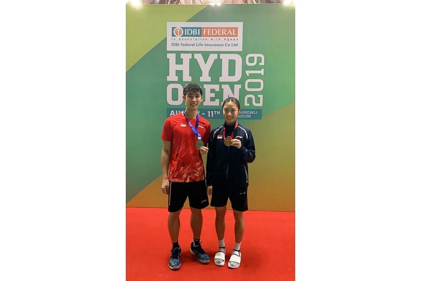 Yeo Jia Min claimed the Hyderabad Open women's singles title while Loh Kean Yew finished second in the men's singles.