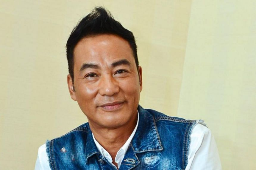 Hong Kong actor Simon Yam, who is recovering from the July 20 attack in Zhongshan in which he sustained injuries to his abdomen and hand, popped up in Guangzhou to promote his upcoming movie Little Q.