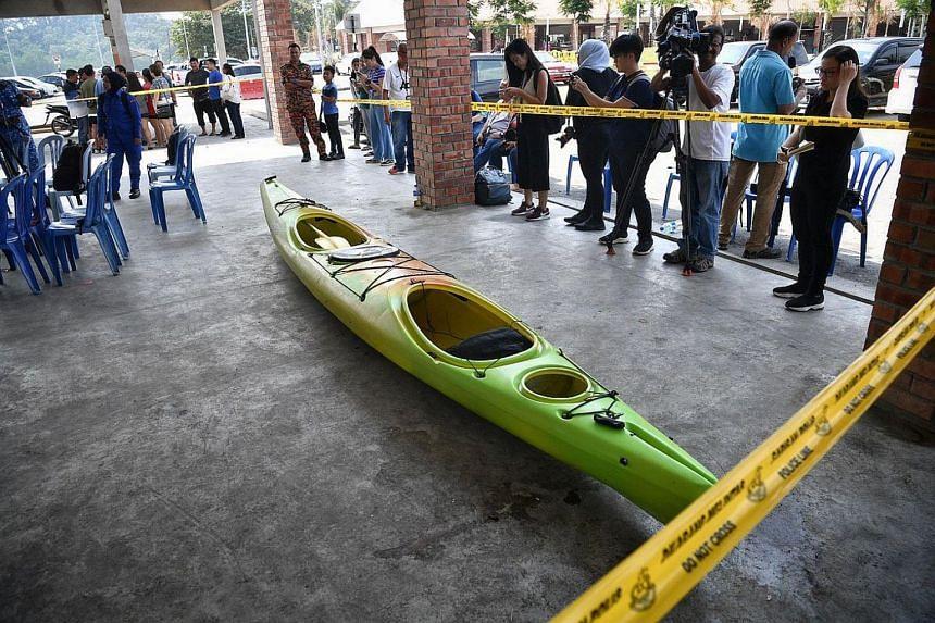 The kayak belonging to Madam Puah and Mr Tan found at Penyabong Jetty on Aug 14, 2019.