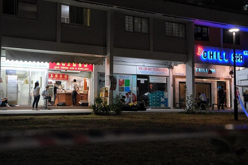 The Hock Cheong Jade and Jewellery shop (left) at 574 Ang Mo Kio Ave 10 where a robbery happened earlier on Aug 14, 2019.