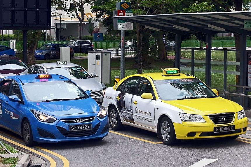 Transport giant ComfortDelGro released its second-quarter financial results earlier this week. Net profit for the three months to June 30 edged up 1.2 per cent year on year to $75.9 million. LIANHE ZAOBAO FILE PHOTO Replacing Mr Choo Chek Siew (left)