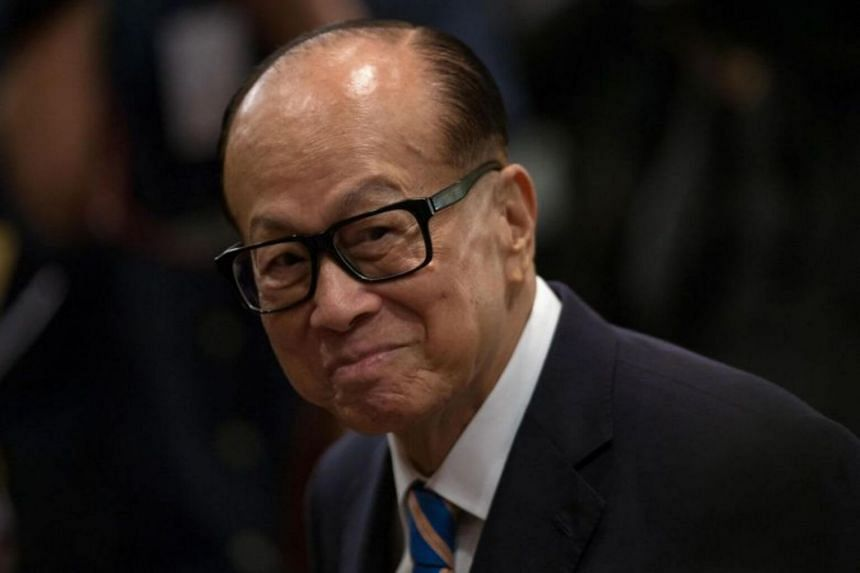 "Mr Li Ka Shing's message in front-page advertisements in major newspapers in Hong Kong urged the public to ""cease the anger with love"" and ""stop the violence""."