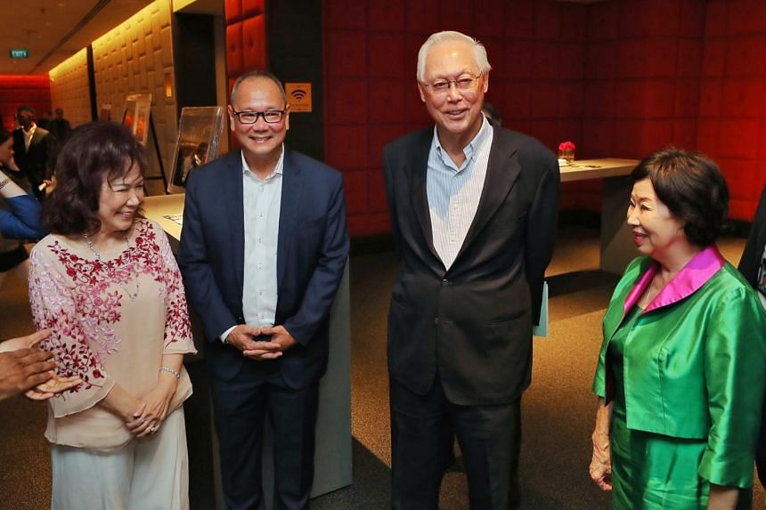 (From left) Lina Chiam, Ang Peng Siong, Emeritus Senior Minister Goh Chok Tong and his wife greet one another as they arrive to the Chiam See Tong Sports Fund Charity Gala Dinner at Tang Marriott Plaza on Aug 22, 2019.