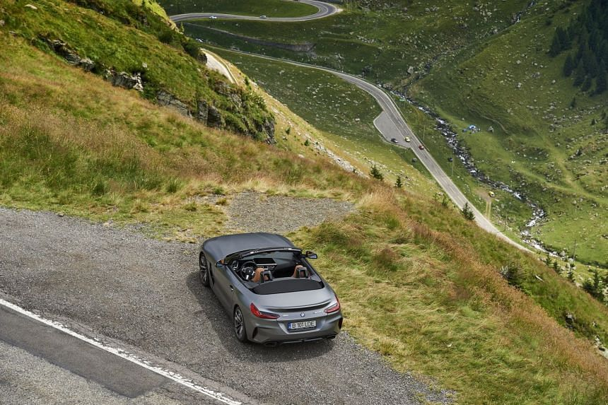 The BMW Z4 M40i overlooking the Transfagarasan Highway.