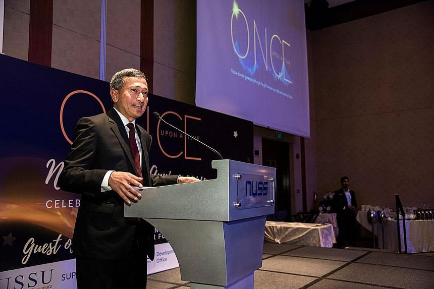 Minister for Foreign Affairs Vivian Balakrishnan, guest of honour at the National University of Singapore Students' Union fund-raising dinner yesterday, which raised $113,588.80.