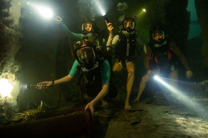 Four women go cave diving in a Mayan archaeological site in 47 Meters Down: Uncaged.