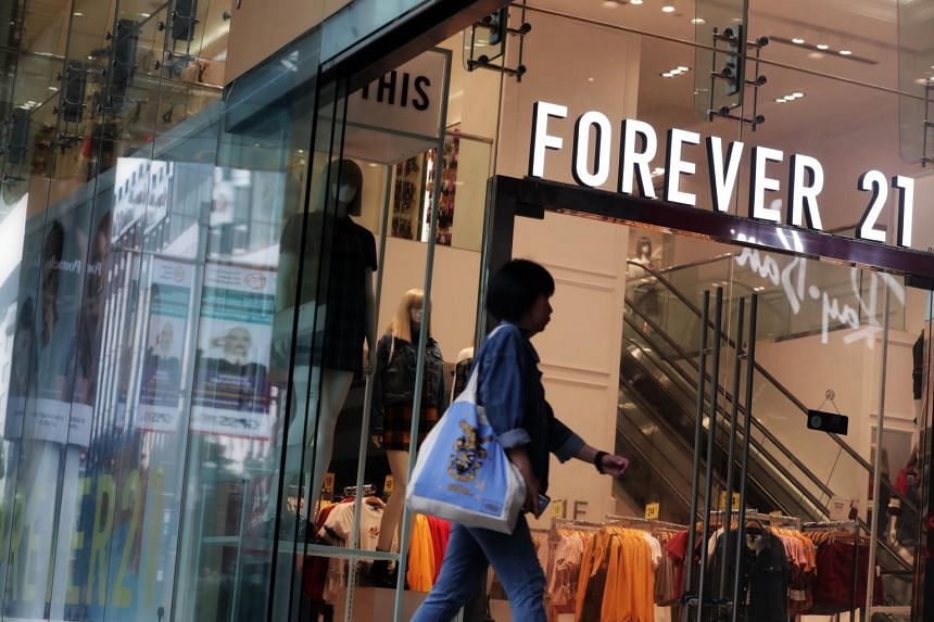 Forever 21 has been in talks for additional financing and working with a team of advisers to help it restructure its debt, but negotiations with possible lenders have so far stalled, according to people with knowledge of the plans.