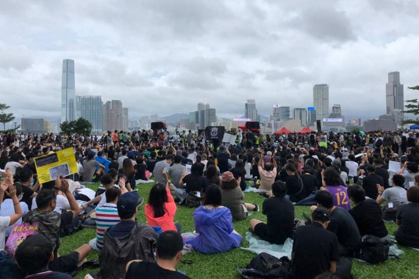 A gathering at Tamar Park in Admiralty near the legislature has drawn tens of thousands to the anti-government rally.