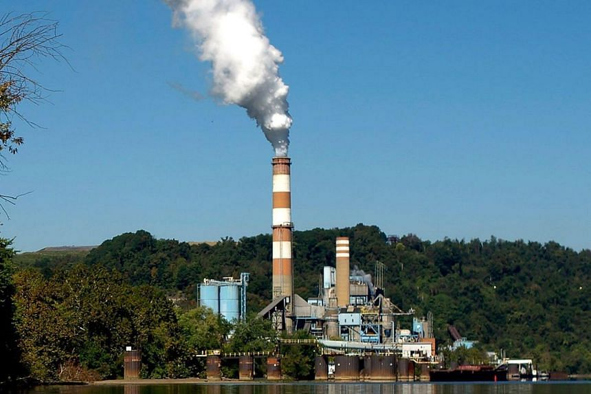 A plume of smoke being discharged from a coal-fired power plant in New Eagle, Pennsylvania, in 2013.