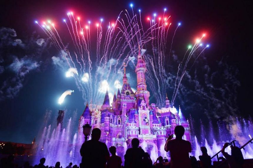 Disney's rules were criticised online as an example of double standards and discrimination against Asians since its theme parks in Europe and the United States allow visitors to bring in outside edible items.