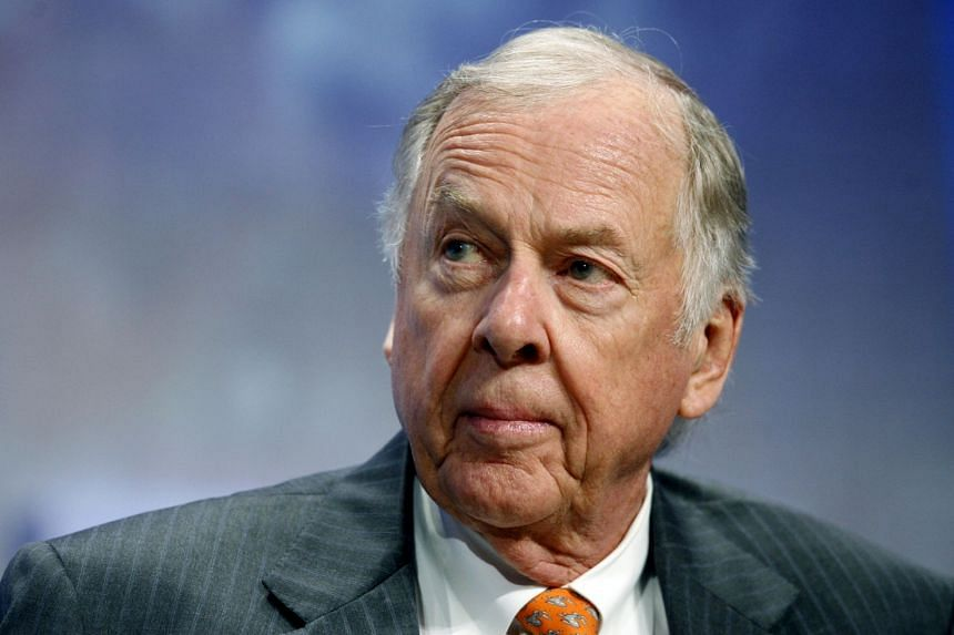 A 2018 photo shows billionaire energy magnate T. Boone Pickens.