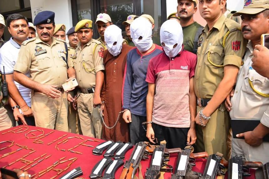 Kathua police arrested three men who were transporting weapons and ammunition towards Indian Kashmir.