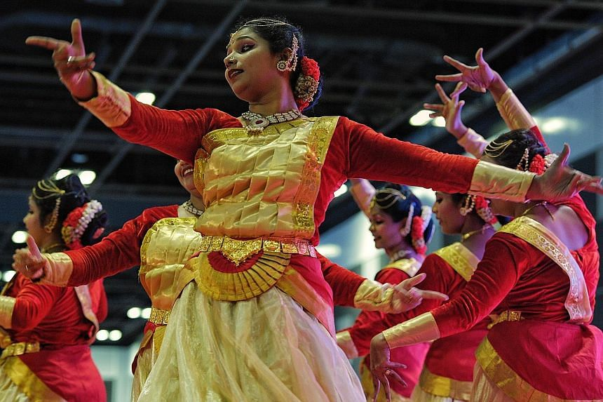 Visitors to the Singapore International Indian Expo 2019, which opened yesterday, got to check out a wide variety of wares such as textiles, jewellery, handicrafts, food and traditional Indian apparel. They were also treated to a performance by dance