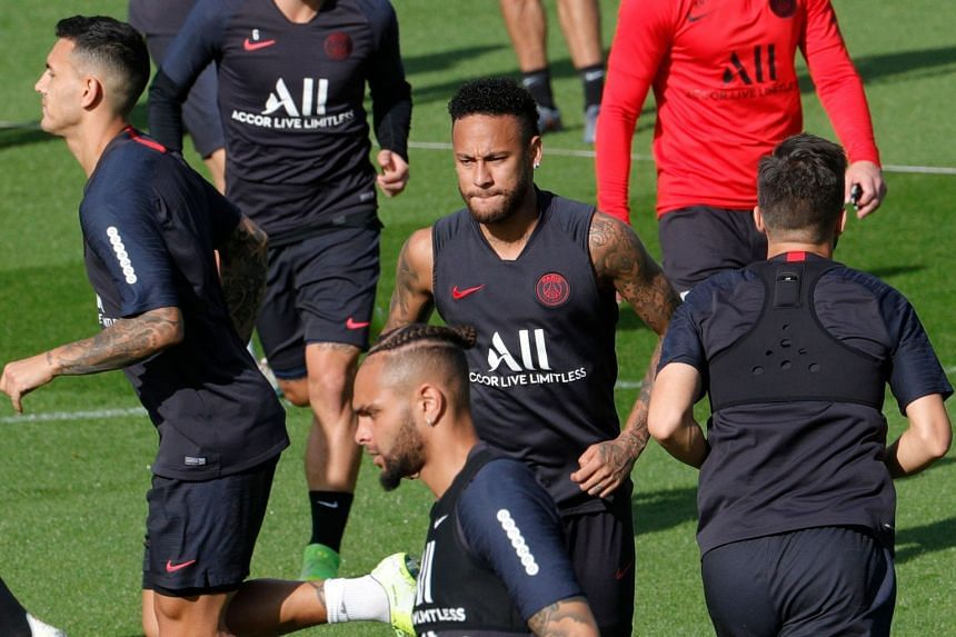Neymar (centre) attends a training session on Sept 13, 2019 in Paris.
