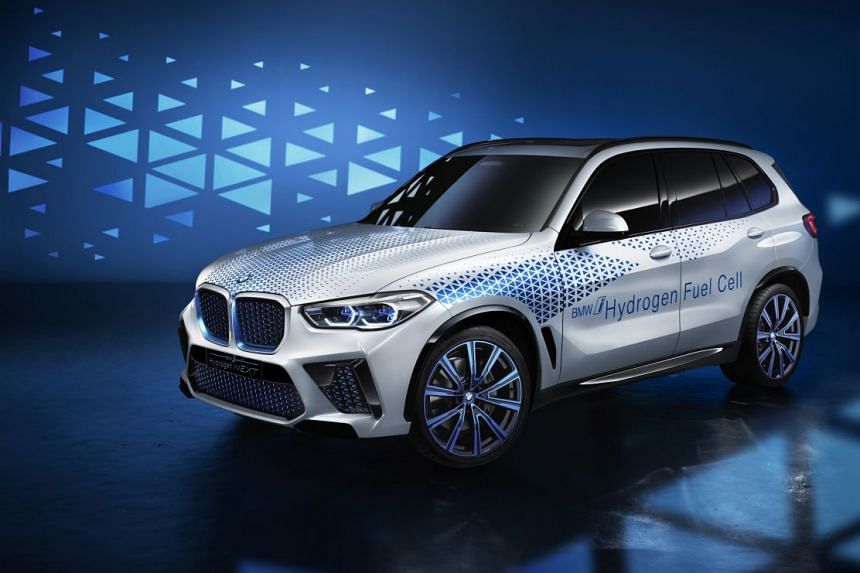 In 2022, the BMW Group is planning to present the next generation of hydrogen fuel-cell electric drive systems in a small-series vehicle (above) based on the current BMW X5.