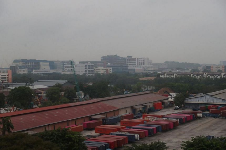 A view of Teban Gardens in Jurong shrouded in haze on the morning of Sept 19, 2019. As of 7am, the 24-hour PSI reading in the western part of Singapore was 132.