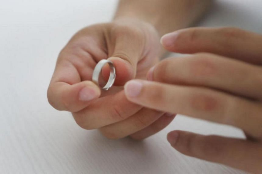 Last year, 7,344 marriages ended in a divorce or annulment, a 3.1 per cent drop from 2017.