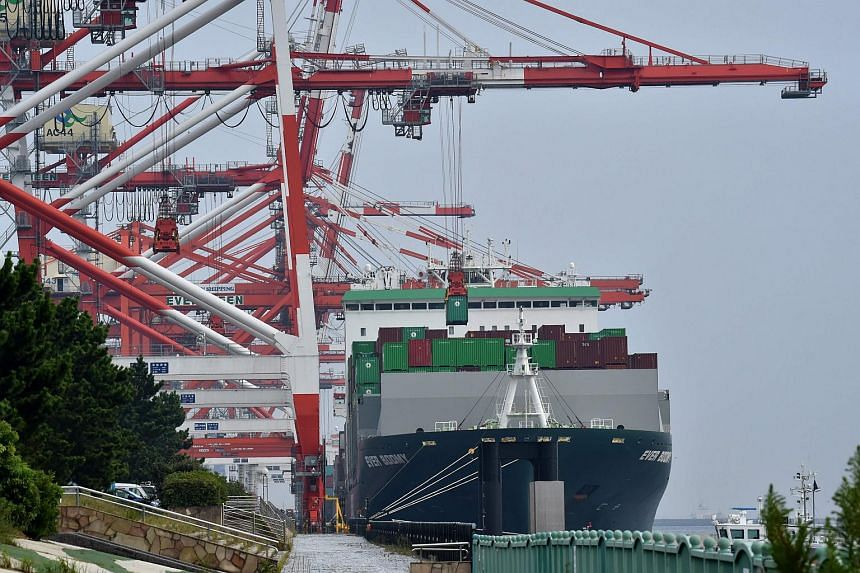 South Korea will seek the end of Japan's export curbs through bilateral consultations, and if the talks do not resolve the issues, it will request a WTO panel ruling on the cases.
