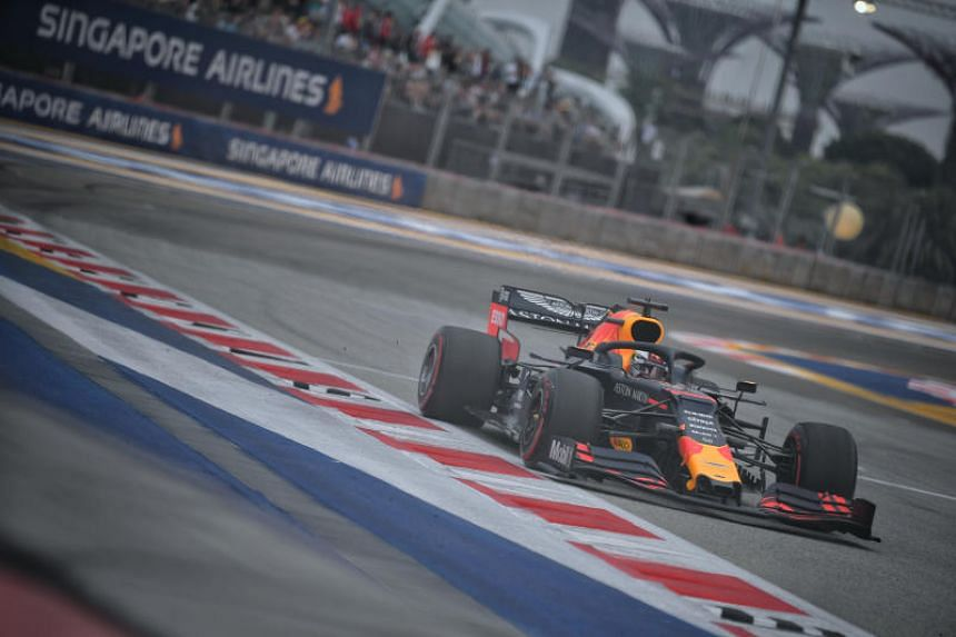 Red Bull's Max Verstappen set a benchmark time of 1min 40.259secs over the first of the day's two 90-minute sessions.