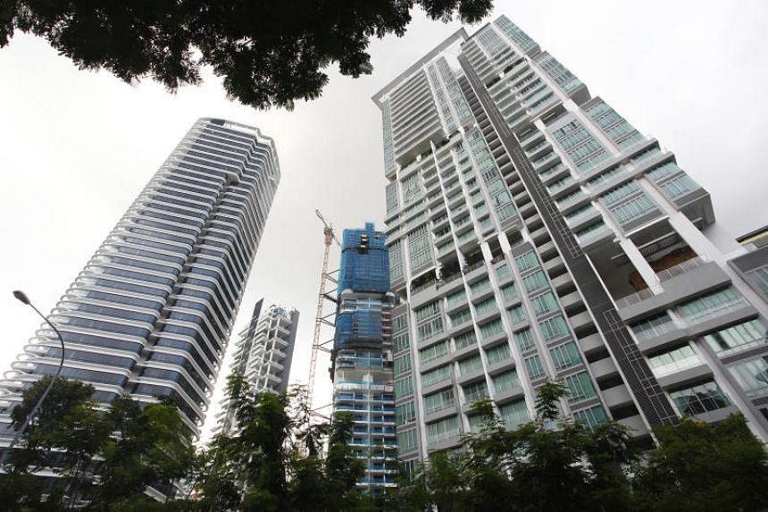 Mainland Chinese are the biggest group of foreign buyers of Singapore luxury apartments.