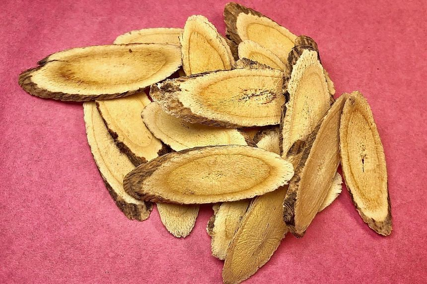 Bei Qi (Astragalus Root).