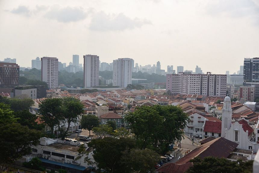 A photo taken in Little India at around 5.15pm on Sept 26, 2019. The 24-hour PSI reading in the southern part of Singapore was 72 as at 5pm that day.
