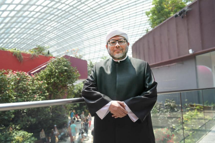 Ustaz Mohamad Hasbi Hassan is the sole recipient of the Islamic Religious Council of Singapore's Jasa Cemerlang Award, which honours lifelong achievements and contributions to Muslims in Singapore.