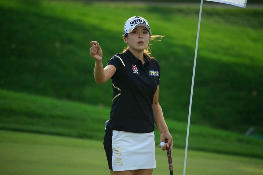 Hur Mi-jung prepares to putt for birdie on the 18th green during the second round on Sept 27, 2019.