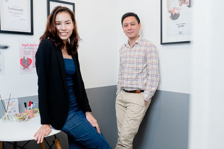 Ms Nicolette Sara Fernandez, a personal branding coach at Fleek, and Dr Patrick Lin, a senior lecturer of psychology at JCU. PHOTO: TED CHEN