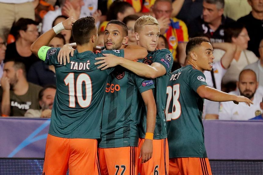 Valencia 0-3 Ajax: Rampant visitors pounce on Parejo penalty miss
