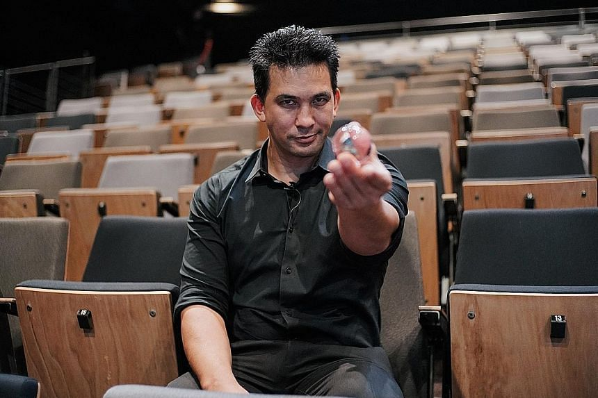 Magician Jason Latimer runs educational programme Impossible Science in California, which aims to give children science education filtered through the lens of magic tricks.