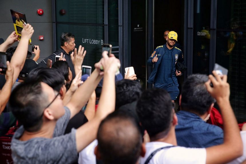 Neymar leaving JW Marriott Singapore South Beach for an evening training session on Oct 7, 2019.