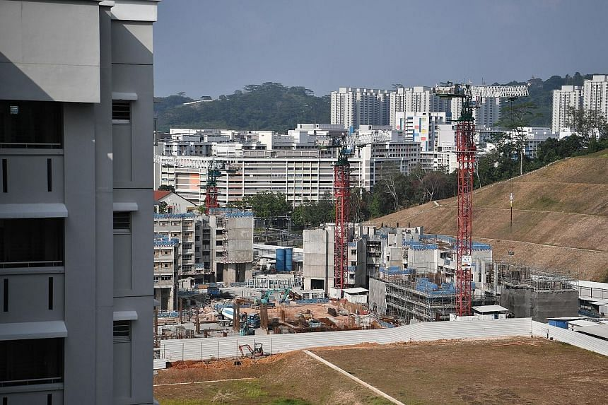 The plot at the junction of Bukit Batok Road and Bukit Batok West Avenue 2 has been cleared for HDB's West Scape@Bukit Batok project.