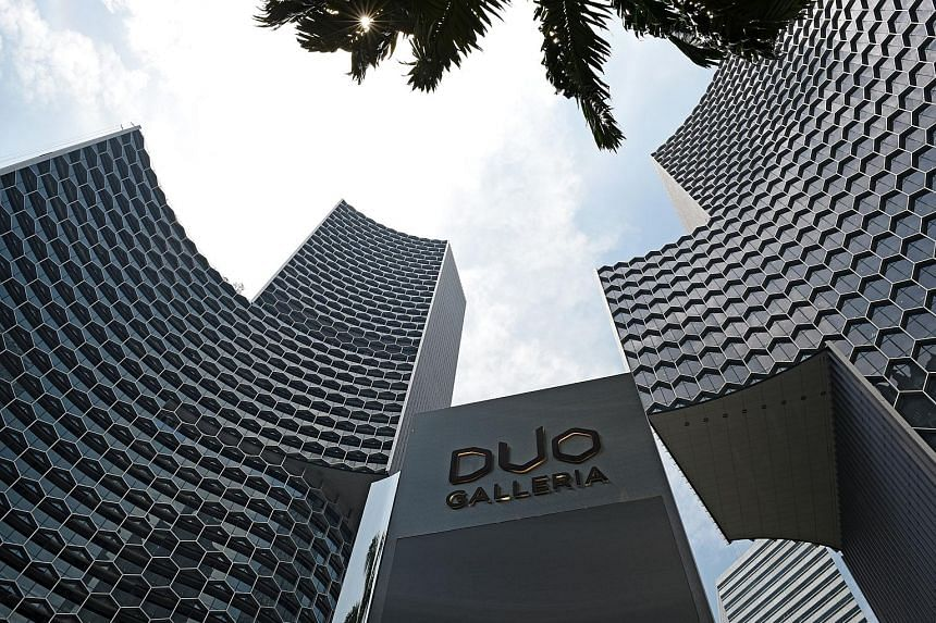 Andaz hotel occupies the top 15 floors of the 39-storey Duo Tower. Besides the hotel, Duo Tower comprises 570,000 sq ft of prime Grade A commercial space on Levels 4 to 23, and a 56,000 sq ft retail component, Duo Galleria.