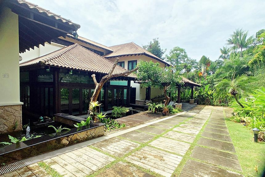 The two-storey property at 18A Yarwood Avenue is a Balinese-style home with a floor area of 9,095 sq ft. The previous sale attempt took place less than a month ago at an auction.
