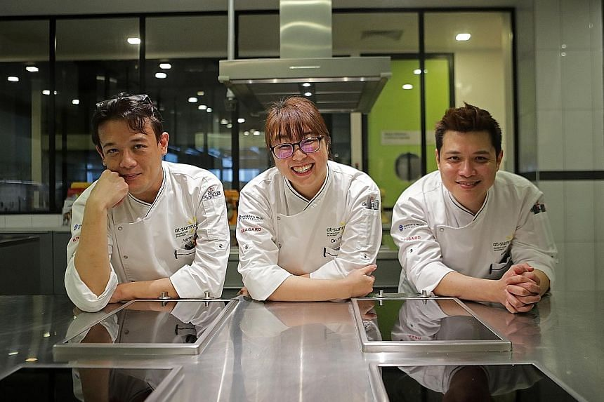Looking and tasting like artichoke, the dish Art De Choke was reconstructed from an extraction of the outer layers of the vegetable and formed using goma gellan gum. (From far left) Culinary institution At-Sunrice GlobalChef Academy's Aaron Goh, Gn Y