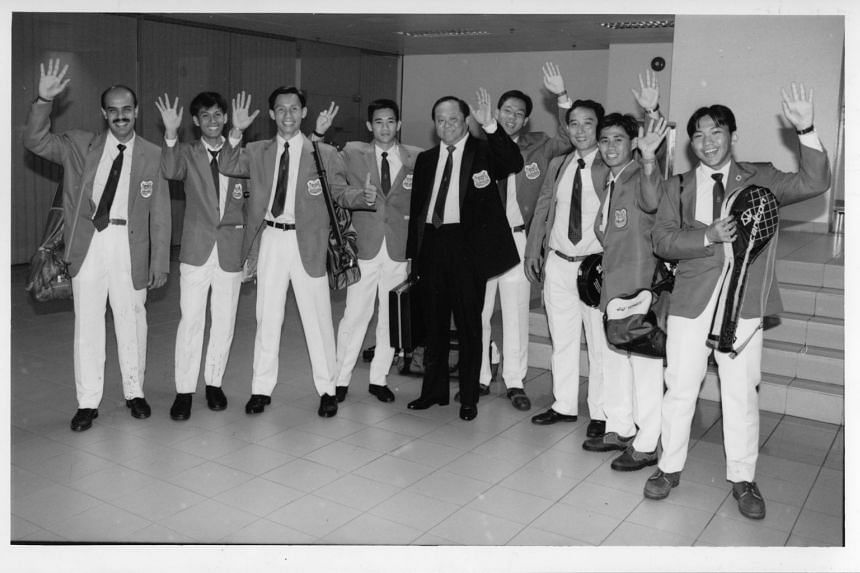 Mr Wee Toon Ouut (centre) was the national team manager of the national badminton team in 1992.