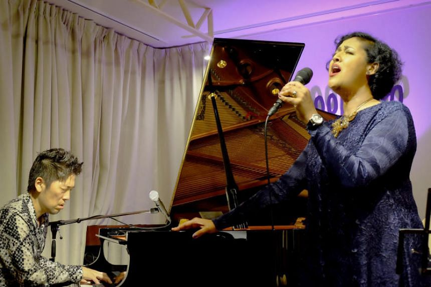 Singapore jazz singer Rani Singam and veteran Japanese jazz pianist Akira Ishii are bringing their show to Singapore and will perform as a duo at the Esplanade Recital Studio on Oct 24 and 25.