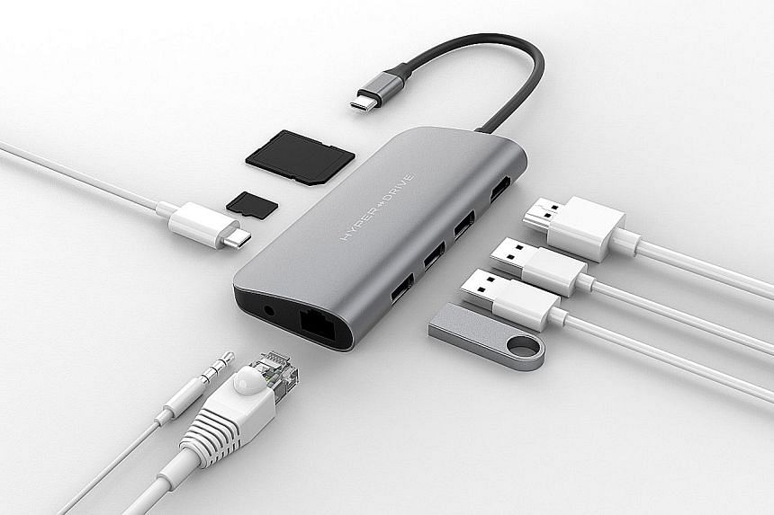 The Sanho HyperDrive Power 9-in-1 USB-C Hub weighs only 115g.