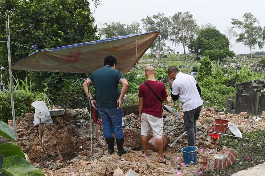 The National Environment Agency found that the tombstone of one grave at Choa Chu Kang Chinese Cemetery was misaligned, which led to other adjacent headstones being wrongly tagged to grave plots.